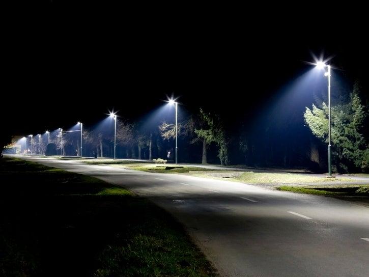 shutterstock-streetlight___07112403209